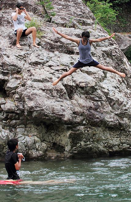『 飛び込み 』